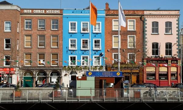 Các công ty lớn ở Mỹ liên tục đầu tư vào Ireland mặc kệ suy thoái kinh tế