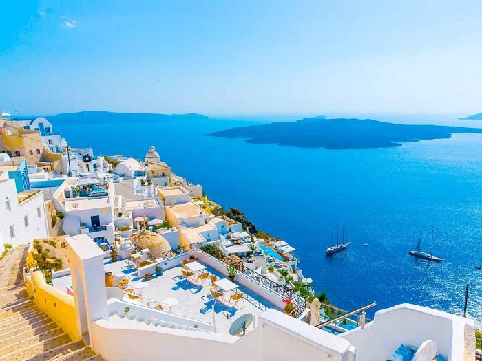 Định cư châu Âu- Nét văn hóa giao tiếp khác biệt giữa Việt Nam và Hy Lạp
