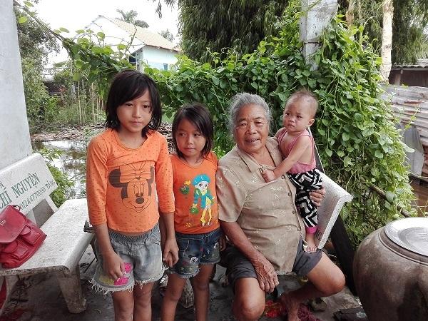 Video – Hoàn cảnh khó khăn của bà Nguyễn Thị Sinh