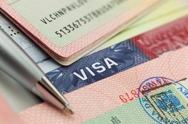 """""""Tôi đã có thể tự do du lịch toàn cầu khi sở hữu quốc tịch châu Âu"""""""