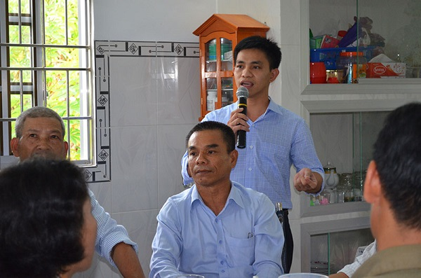 Chương trình trao 50 suất hỗ trợ học sinh nghèo ở huyện Bình Minh, tỉnh Vĩnh Long đi thi đại học là hoạt động thiện nguyện lớn trong năm 2012 của IMM Group sau nhiều năm gắn bó với các chương trình từ thiện tại địa phương này.