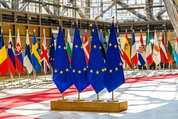 VnExpress – Tránh nhầm lẫn về quyền cư trú và quốc tịch châu Âu