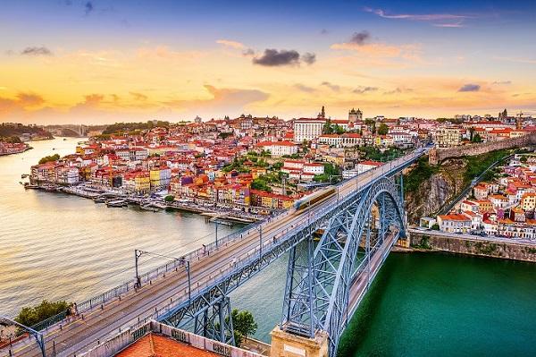 Định cư châu Âu – Quyền lợi của việc sở hữu quốc tịch châu Âu