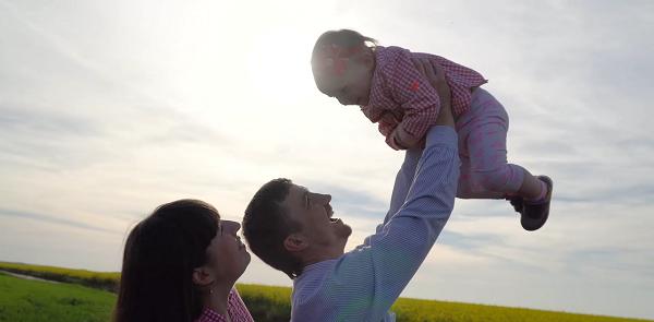 Video – Lấy thêm quốc tịch và thường trú Mỹ, Úc, Canada, châu Âu: Gia sản đặc biệt cha mẹ dành cho con