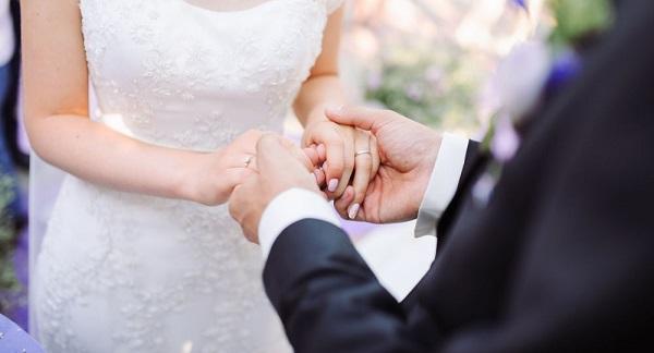 Thêm một đường dây kết hôn giả lấy thẻ xanh bị phát hiện