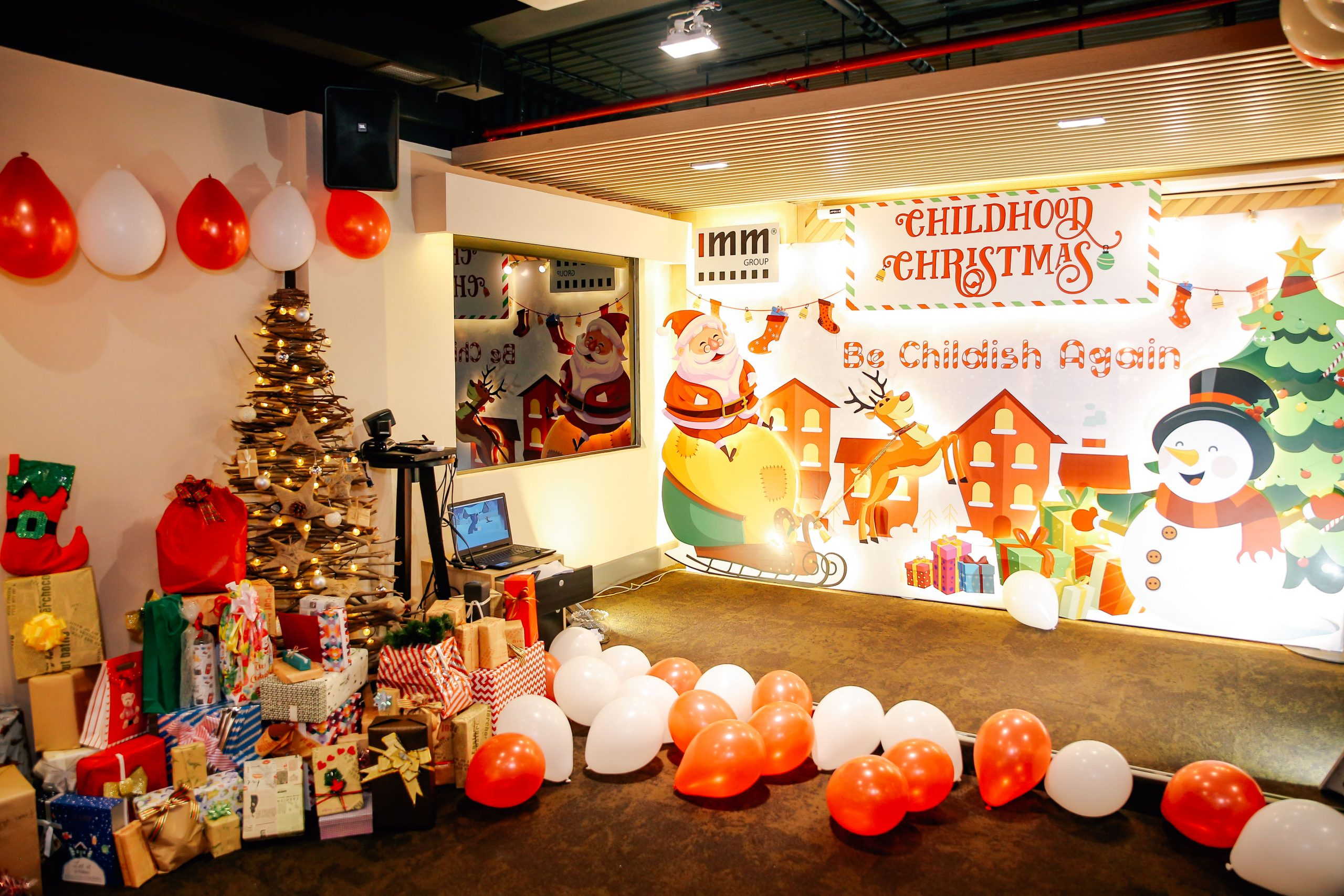 Back to childhood again with CHILDHOOD CHRISTMAS at IMM GROUP