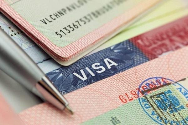 Điều kiện nhập quốc tịch Mỹ đối với người đang giữ thẻ xanh
