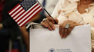 Quy định mới về thời gian cư trú liên tục tại Mỹ trước khi nộp hồ sơ nhập tịch có ý nghĩa như thế nào với nhà đầu tư đã có giấy phép tái nhập cảnh?