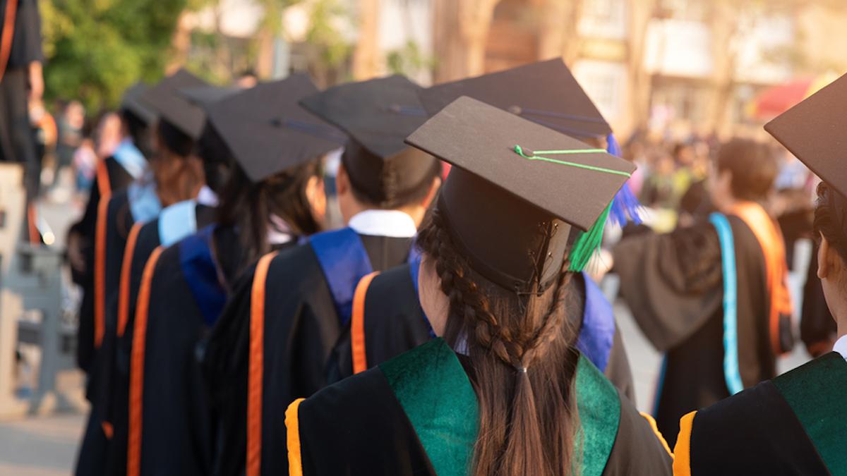Chính quyền Trump cân nhắc đình chỉ chương trình định cư dành cho học sinh nước ngoài