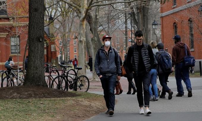 Vnexpress – Mỹ bãi bỏ chính sách hạn chế visa sinh viên