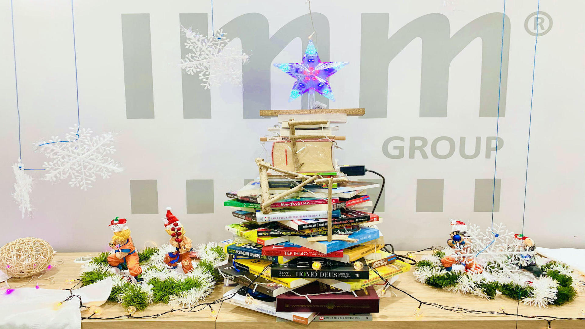 The Christmas Desk Decorating Contest 2020 – IMM Group