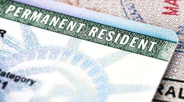 Quy trình mới để gia hạn thẻ thường trú nhân Mỹ trước khi hết hạn
