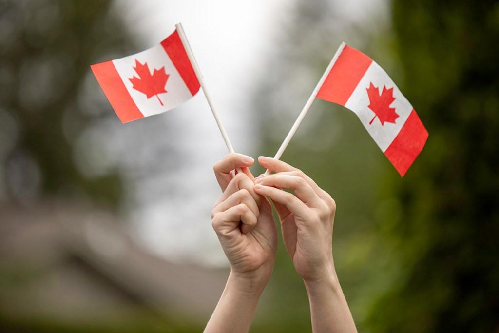 sinh sống ở Canada