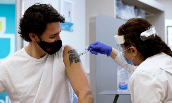 Động lực thúc đẩy chiến dịch tiêm chủng Canada vượt Mỹ